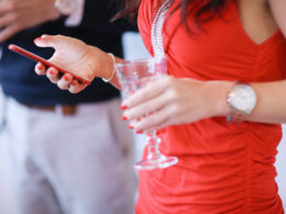 smartphone et alcool