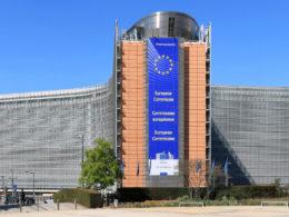 commission européenne chargeur universel